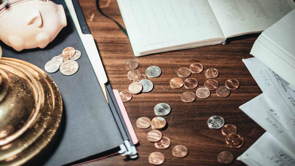 Los economistas afirman que hay que centrarse en la deuda a largo plazo